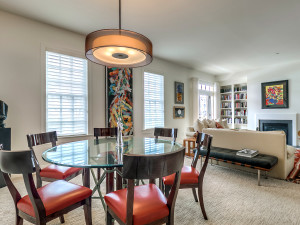 10' Ceilings and large windows in the living and dining rooms